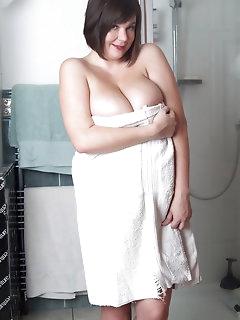 Shower Erotica Pictures