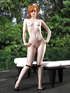 Red Haired Babes Pics