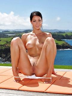 Sporty Babes Erotic Pics