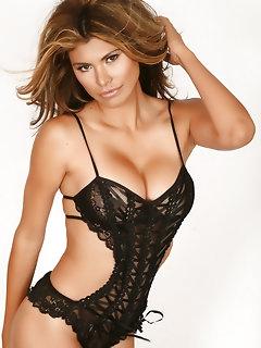 Erotic Latina Babes Pics