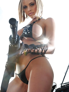 Erotic Babes in Boots Pics